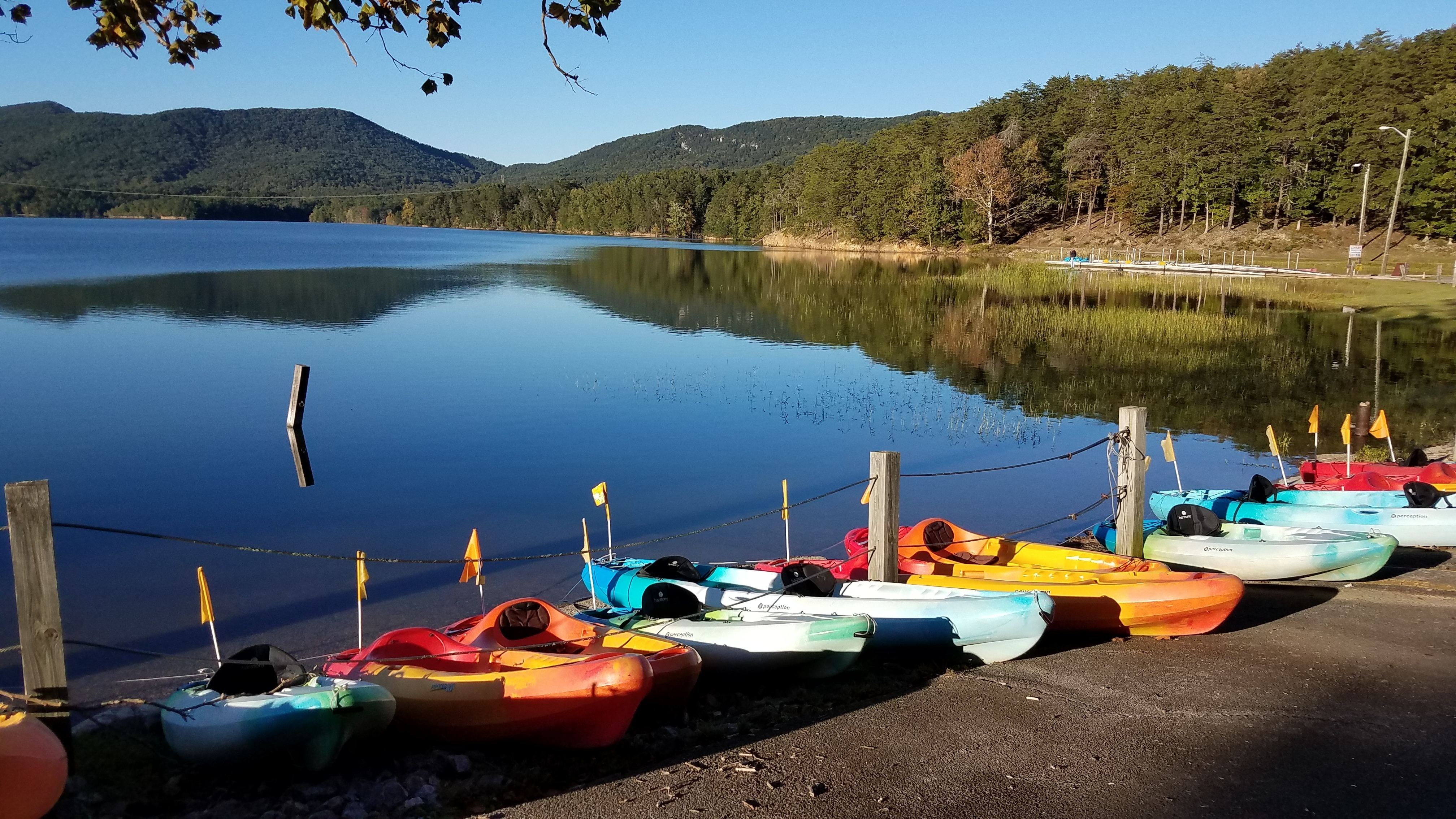Weather permitting, kayaks are available for rent at the Carvins Cove Boat Landing April 1 - October 31.  Please see www.westernavawater.org/carvinscove for rental fees and current information.